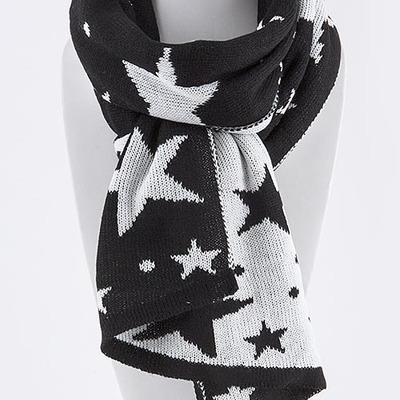 Star pattern scarf