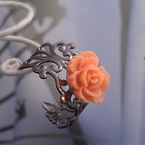 Peach/Gunmetal Rose Filigree Ring
