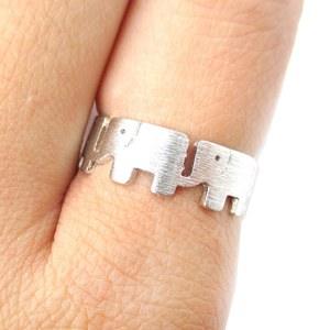 Row of Elephants Silhouette Animal Ring in Silver | US Size 6 and 6.5