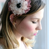 Tuxie ruffle headband