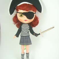 Pirate-costume-1_medium
