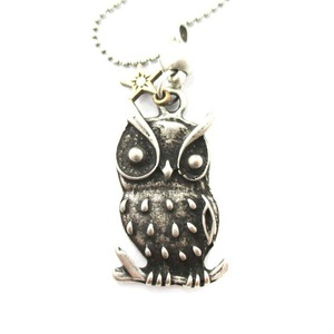 Realistic Owl Bird Shaped Animal Themed Pendant Necklace in Silver