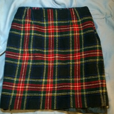 m/l red plaid high waisted skirt
