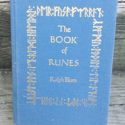 The book of runes by ralph blum