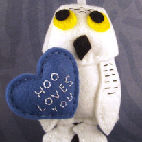 Hoo Love You Valentine's Day Felt Ornament - Oliver the Snowy Owl