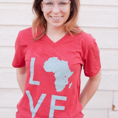 Love africa tee (heather red/light blue)