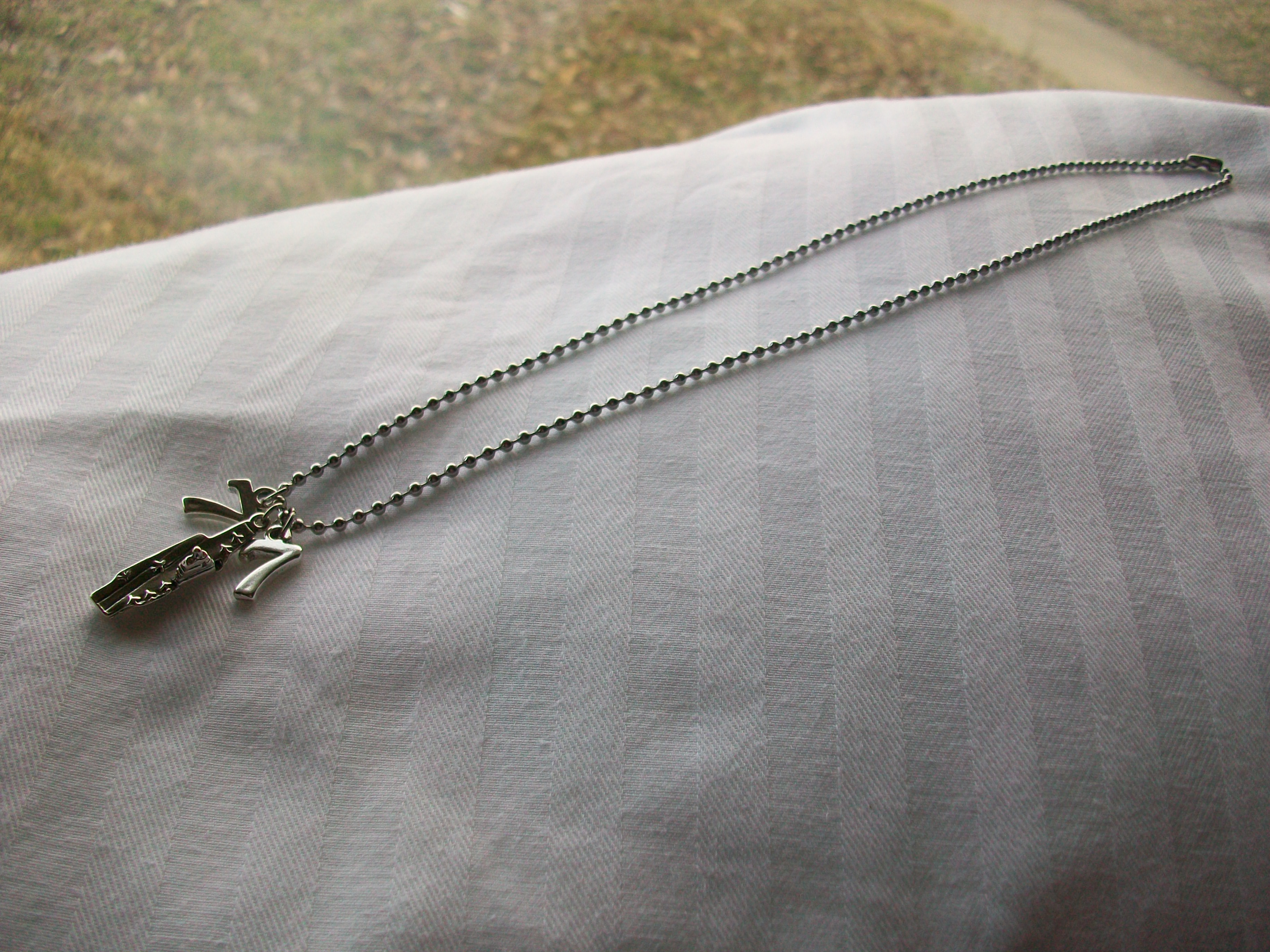 Cvn_77_men_necklace_original