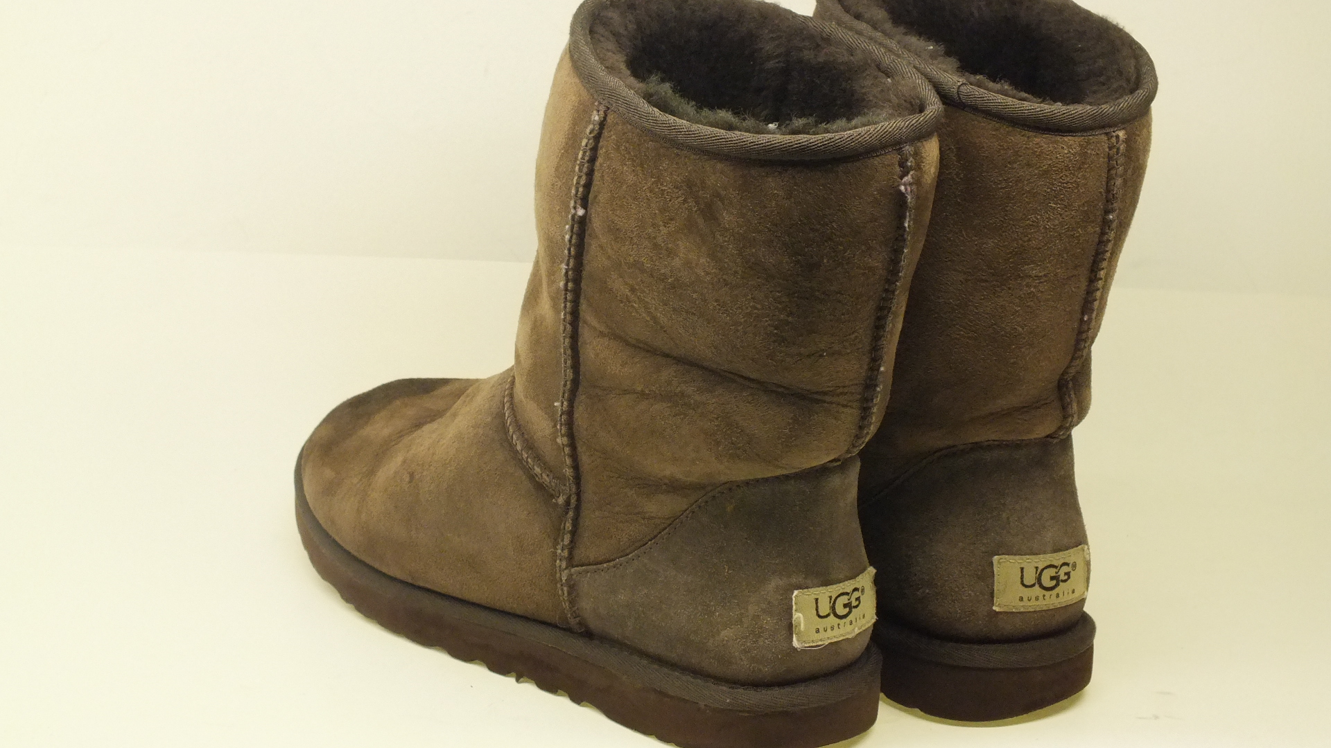 Ugg Australia Classic Short Leather Ankle Boots Color Brown  Women
