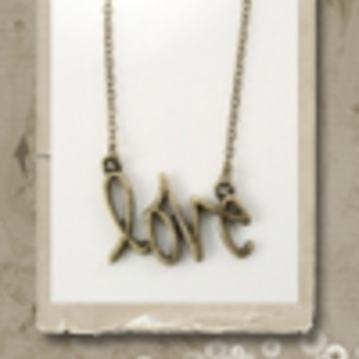 I am love necklace
