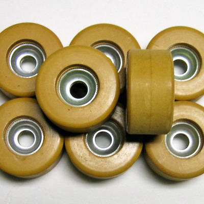 Tiny-tot fo-mac mini clay roller skate wheels - rare yellow clay