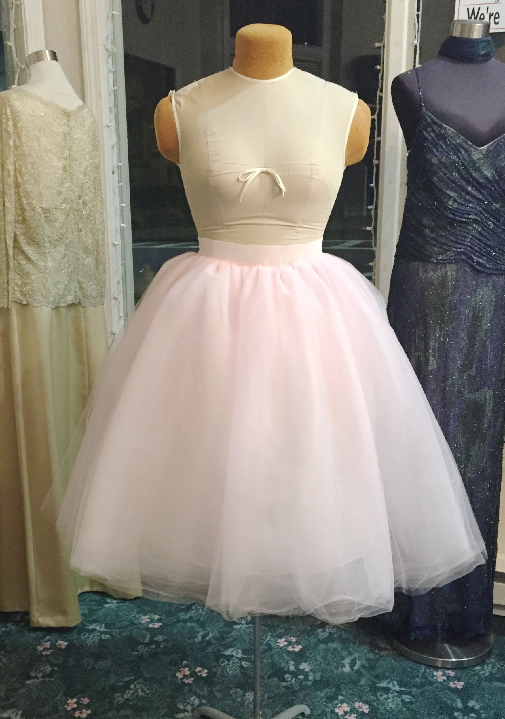 Buy Kalos Dress Shop Lace Bodice Tulle Puffy Flower Girl Dress Lace Appliques Girls First Communion Dress Pageant Gowns and other Special Occasion at 3aaa.ml Our wide selection is elegible for free shipping and free returns.