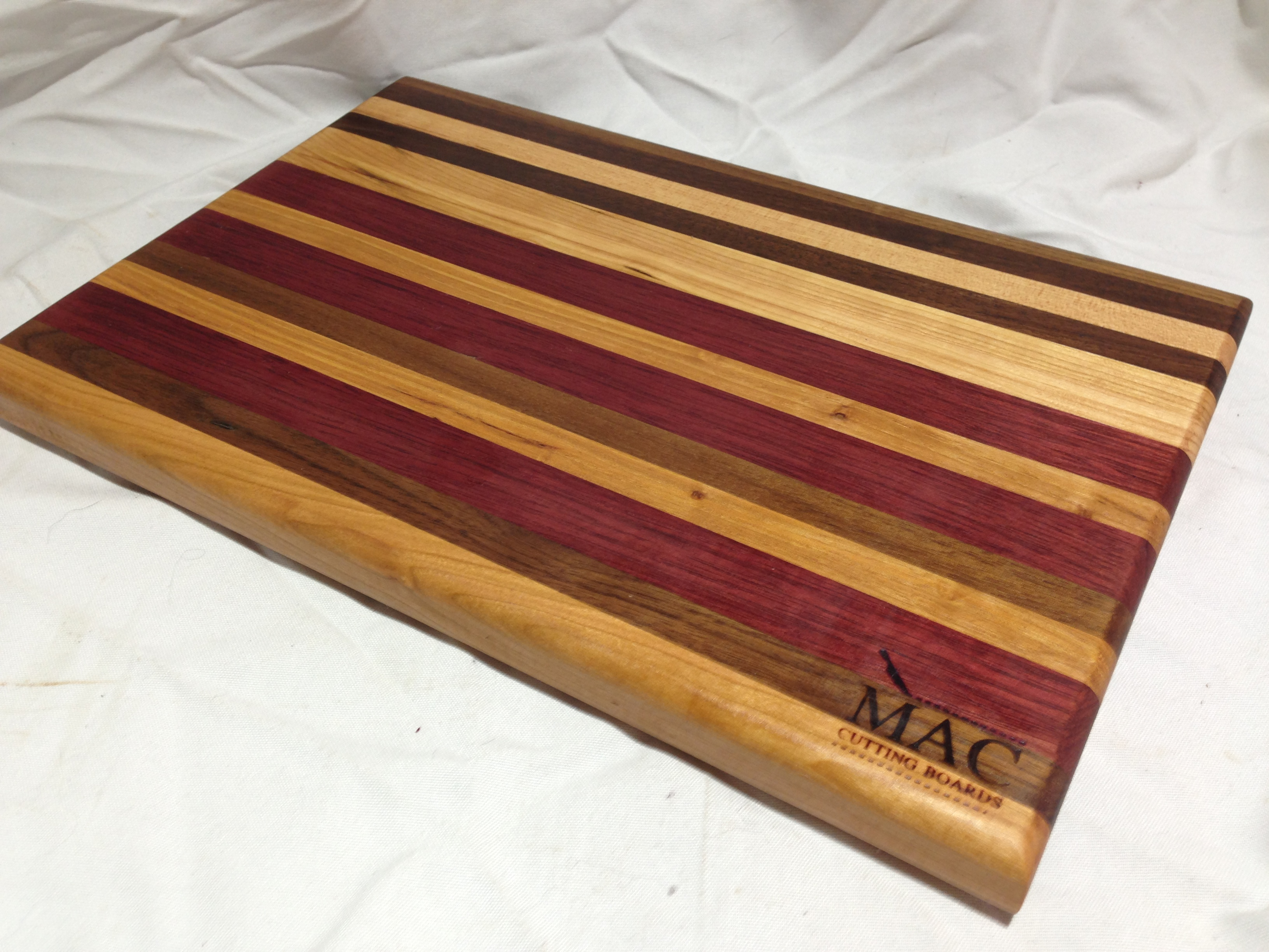 Hardwood Cutting Boards ~ Wood cutting board · mac boards online store