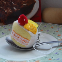 Kawaii Vanilla Cake Cellphone Plush