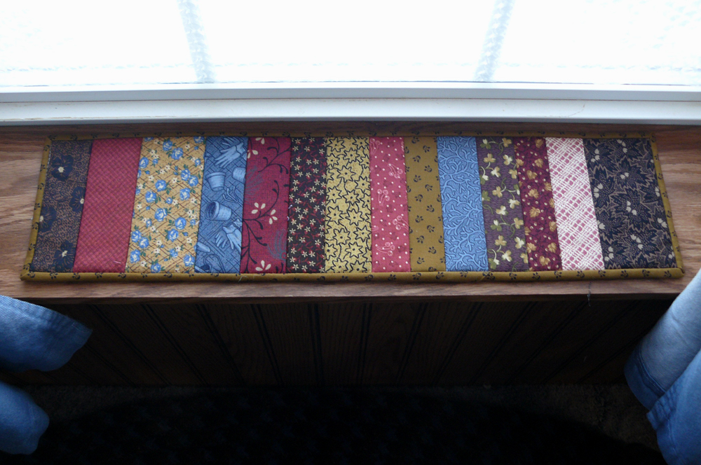 Primitive Country Quilted Patchwork Table Runner   Thumbnail 1 ...