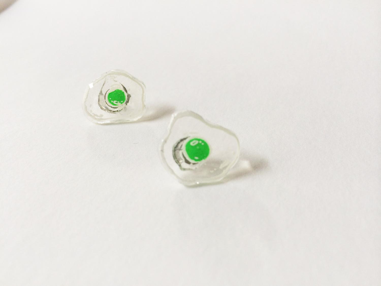 hand drawn green egg earrings little otto online store. Black Bedroom Furniture Sets. Home Design Ideas