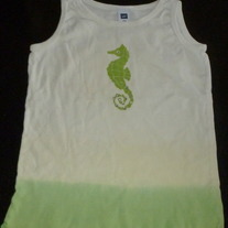 Creme/Green Tank Top with Seahorse-Gap Size Small (6/7)