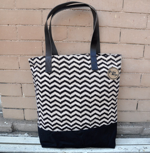 Canvas Tote Bag with leather straps in Black zig zag print ...
