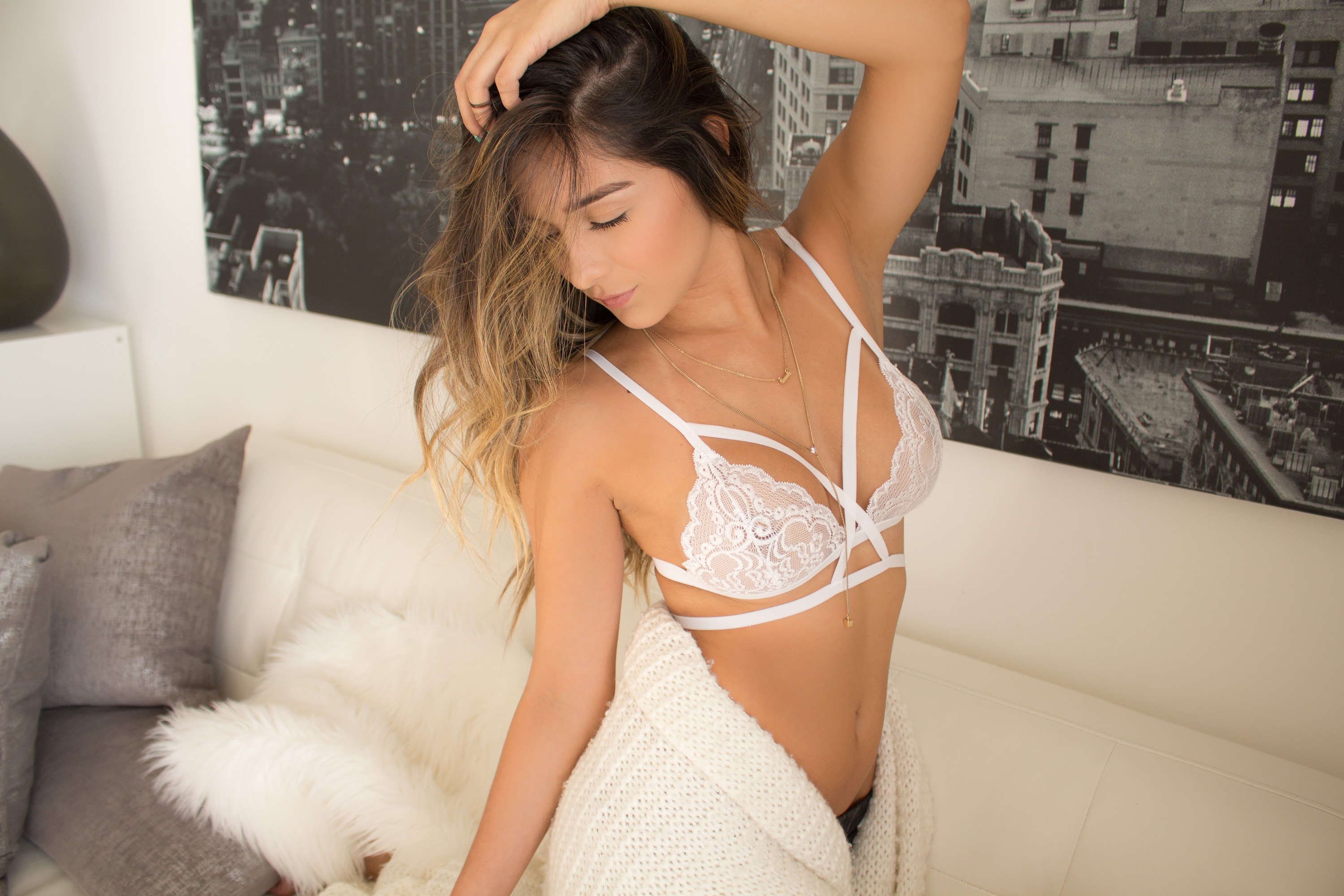 Those White lace sexy lingerie agree