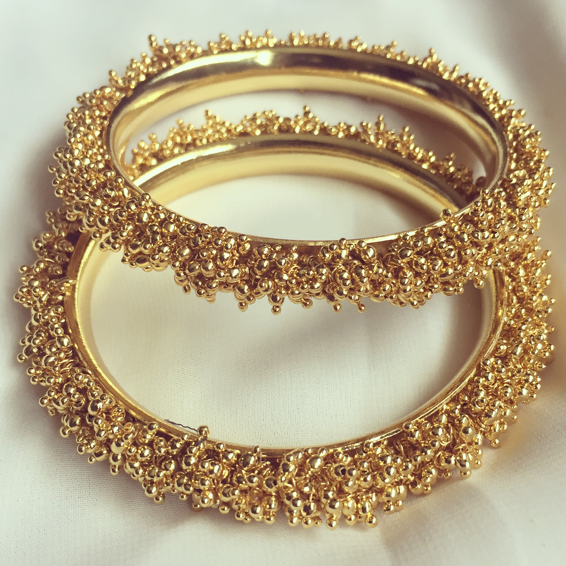 paired yellow jewellery in bangles virani products gold jewelers with white two viranijewelers gms toned