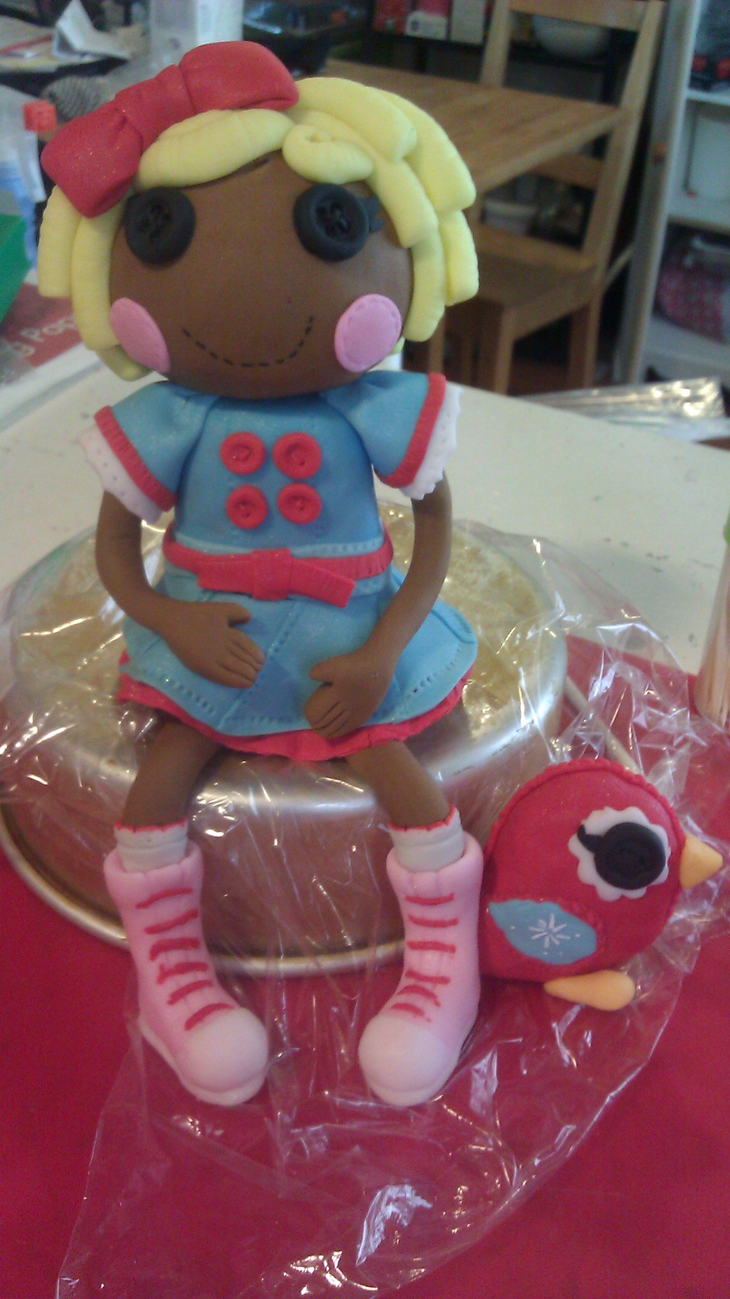 Cake With Fondant Storage : The Sweets Fairy Bakeshop Fondant Lalaloopsy Cake Topper ...