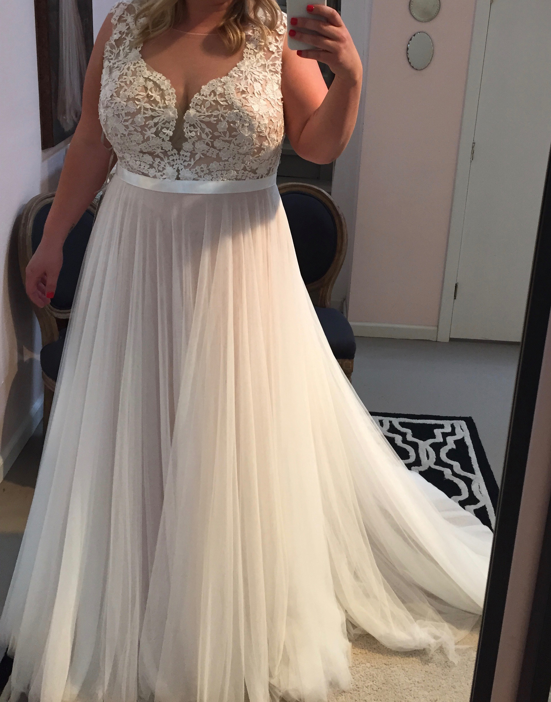 Lace appliqued soft tulle beach wedding dresses plus size for Beach wedding dresses for plus size