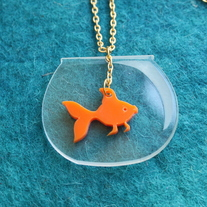 254-bak_20goldfish_20necklace_201_medium