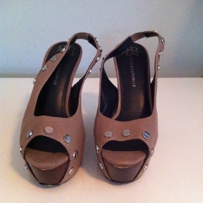 Rock&republic taupe wedge heels/silver studs(size 9)