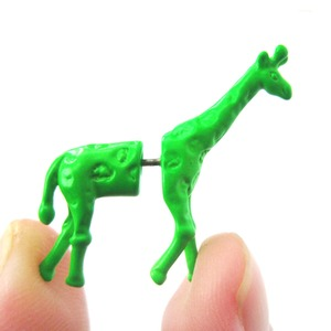 3D Fake Gauge Realistic Giraffe Animal Stud Earrings in Green