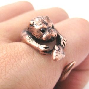 Otter With A Fish Animal Wrap Around Hug Ring in Copper - Sizes 4 to 9