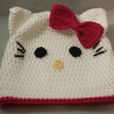 White kitty beanie w/ pink bow