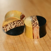 Organic_jack__areng____coconut_wood_saddle_plug