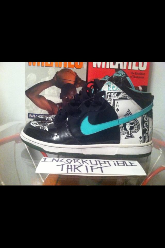 1cc3750a547 Dontrelle Willis Nike Dunks Size 9.5 · Incorruptible Thrift Shop ...