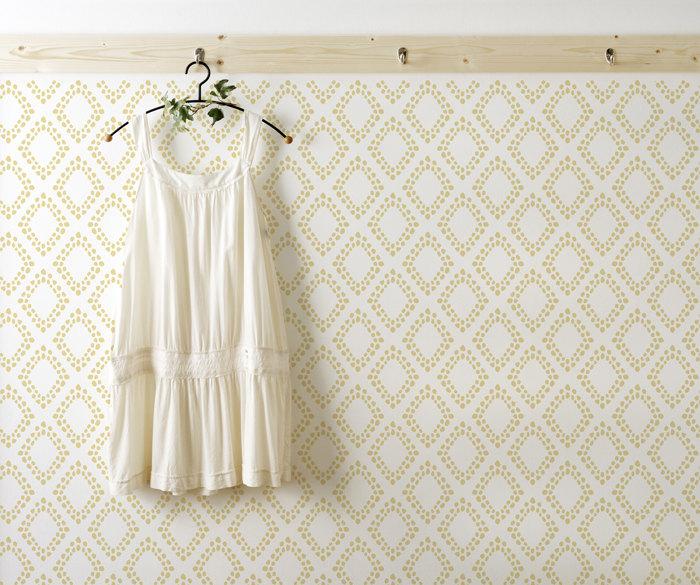 diamonds wall stencil decorative scandinavian large. Black Bedroom Furniture Sets. Home Design Ideas