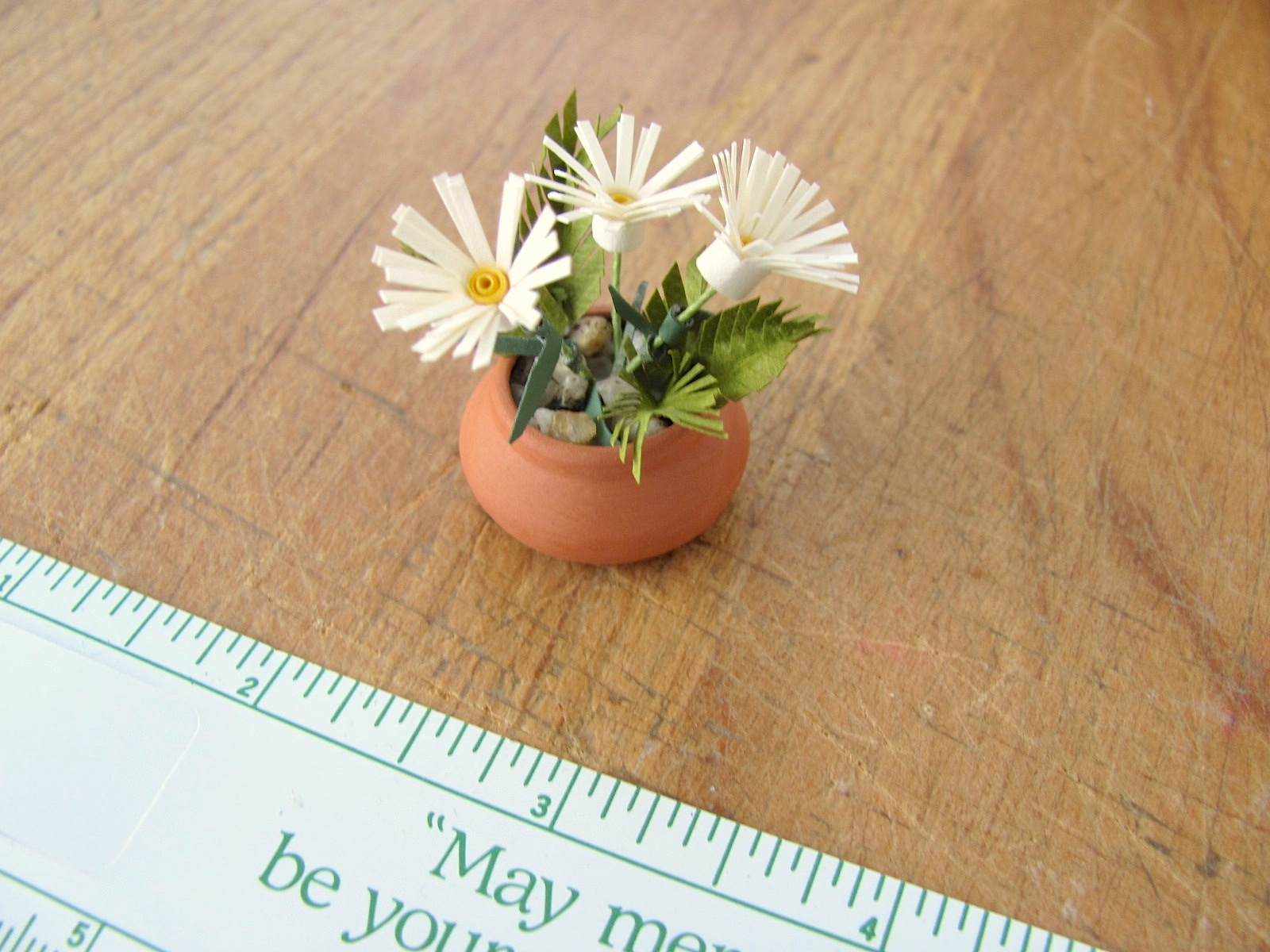 Scale Dollhouse Miniature Quilled Paper Daisy Garden Flowers In A