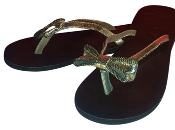 9f39bc074 Abercrombie   Fitch Women s Brown Leather Flip Flops Gold Bow ...