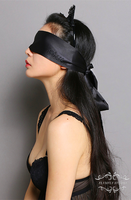Sexy blindfold