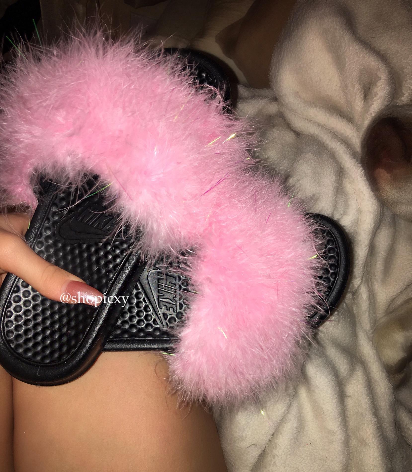 0437f4dbfcbb0 Custom Nike Fur Slides with Lurex