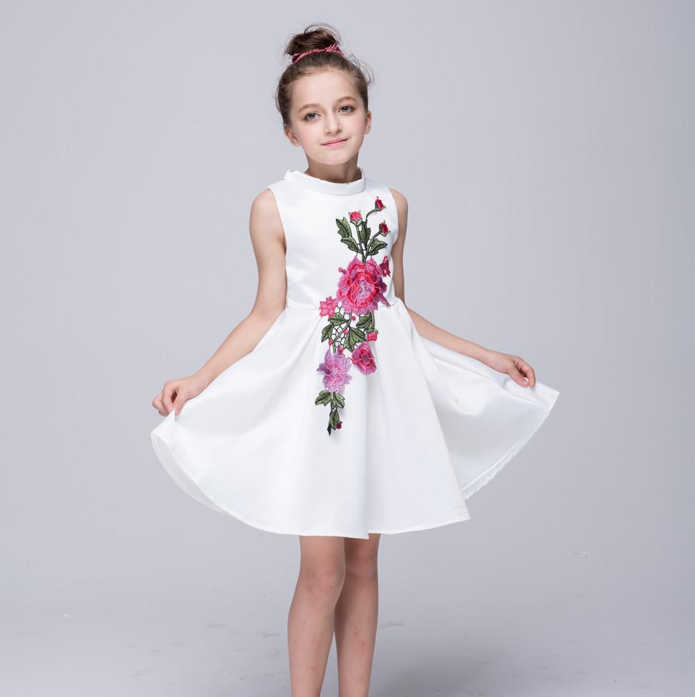 New Arrival Cute Satin Flower Girl Dressesa Line Embroidery Short