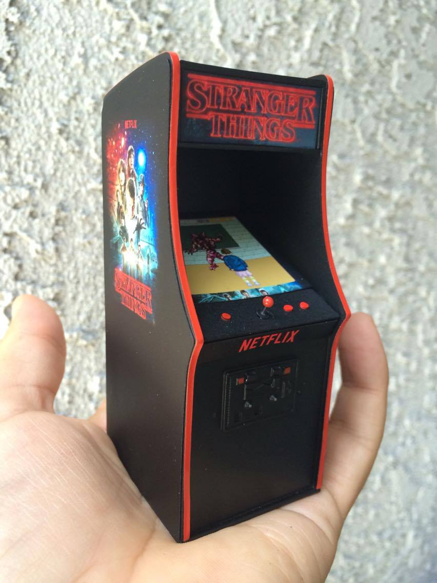 Stranger Things Arcade Cabinet 1 18 Scale Miniature For