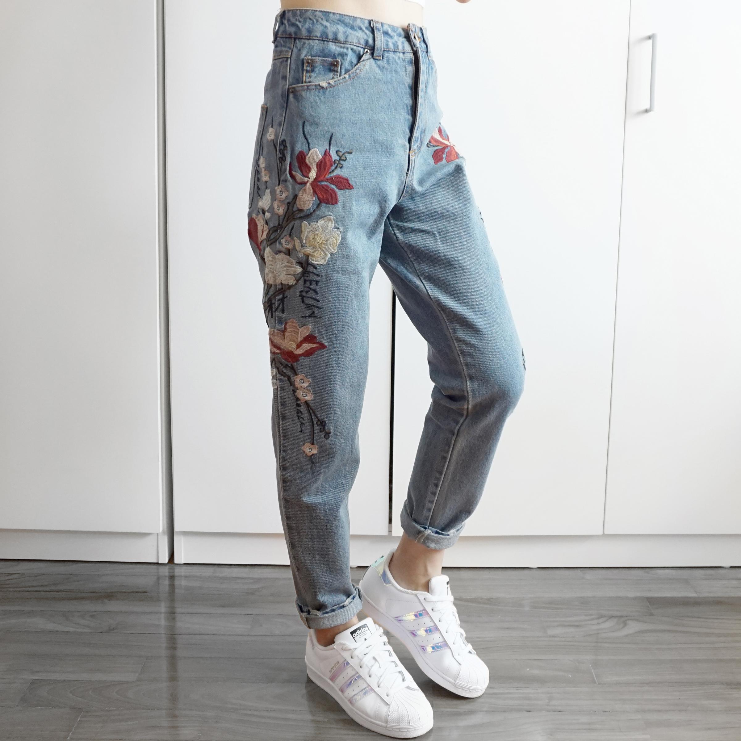 b61aa7cd9fe2e7 Embroidered Floral Boyfriend Denim Jeans (Med Blue) · Megoosta ...