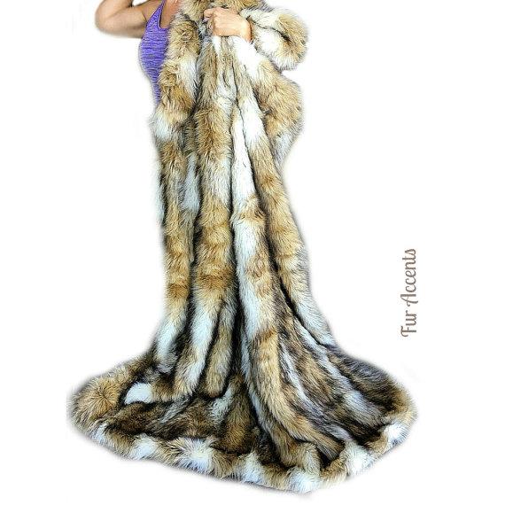 Gray Stripe Fox Premium Faux Fur Throw Blanket Minky Cuddle Fur Lining 5x6