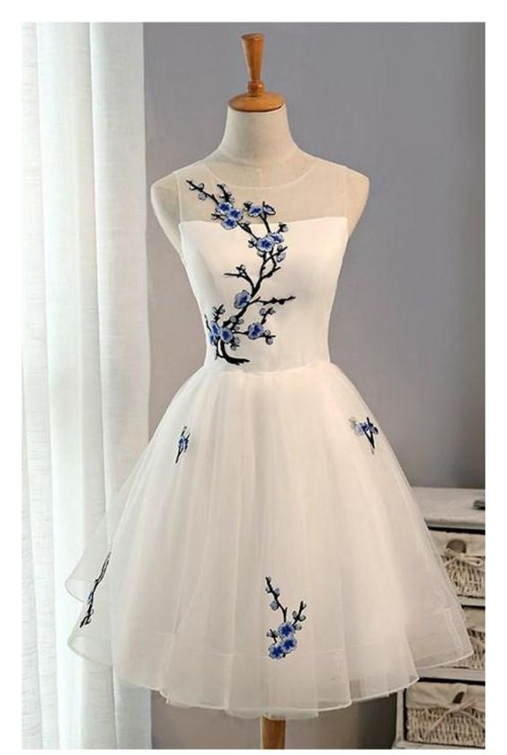 575c709f8c1 Ivory Short Tulle Homecoming Dresses