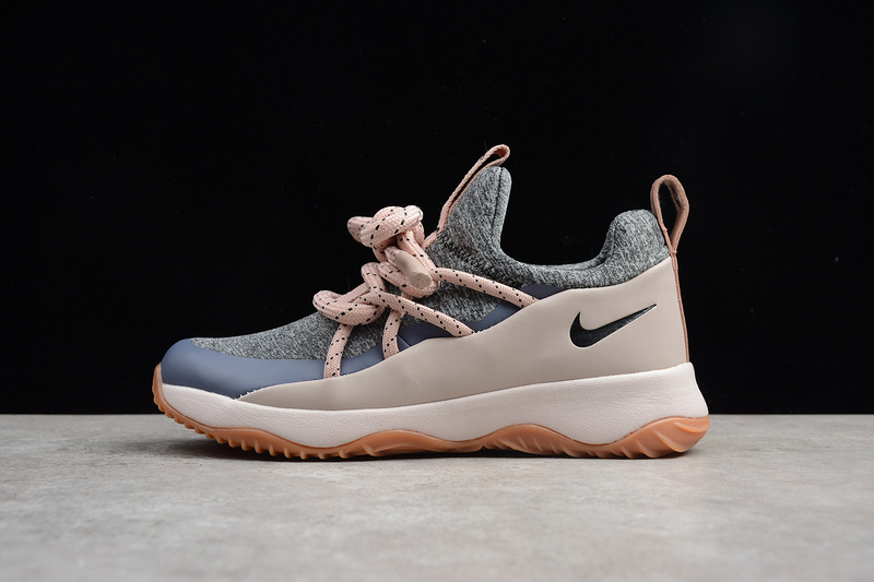 sports shoes 701c9 93781 File 10ecbf35d7 original