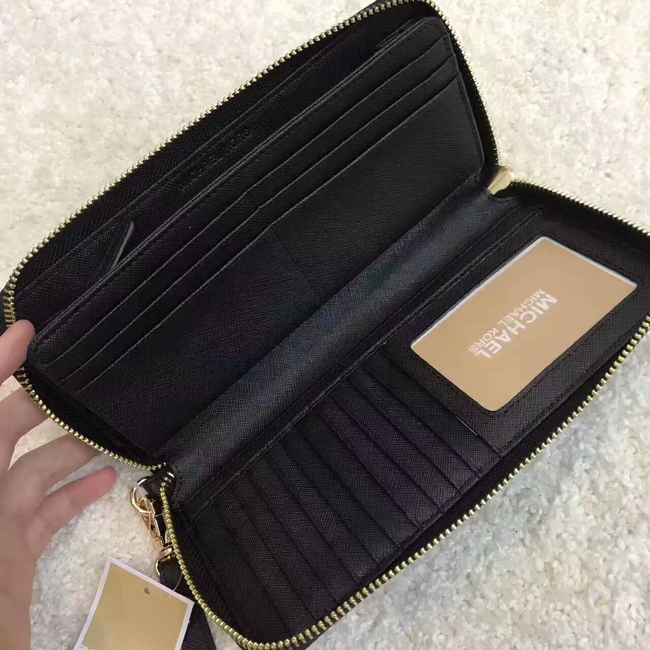 669a910b5ce8 Auth Michael Kors Jet Set Travel Leather Continental Wallet Wristlet ...