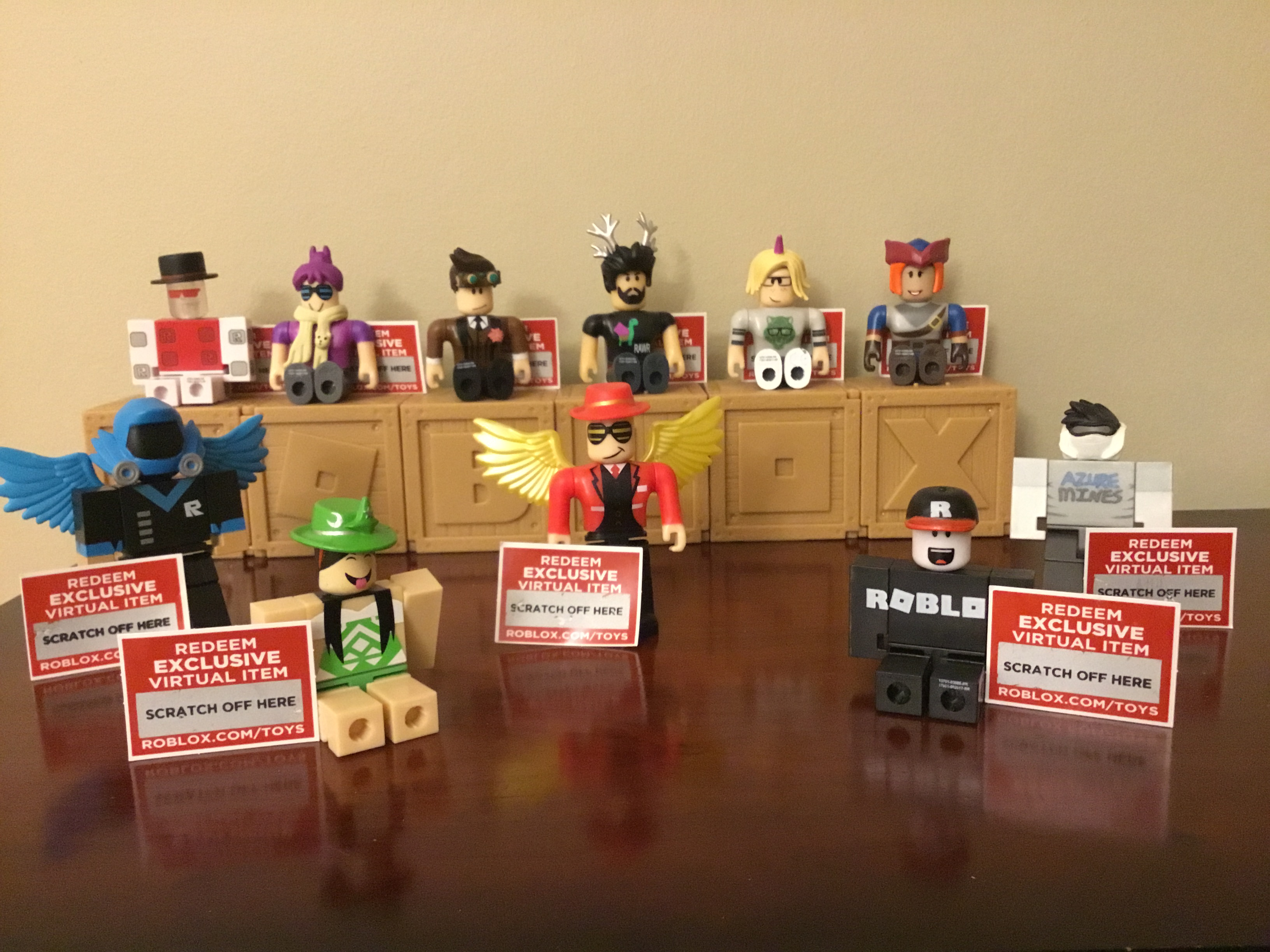 Roblox 11 Toys With Unredeemed Codes Sold By Robloxian Store On