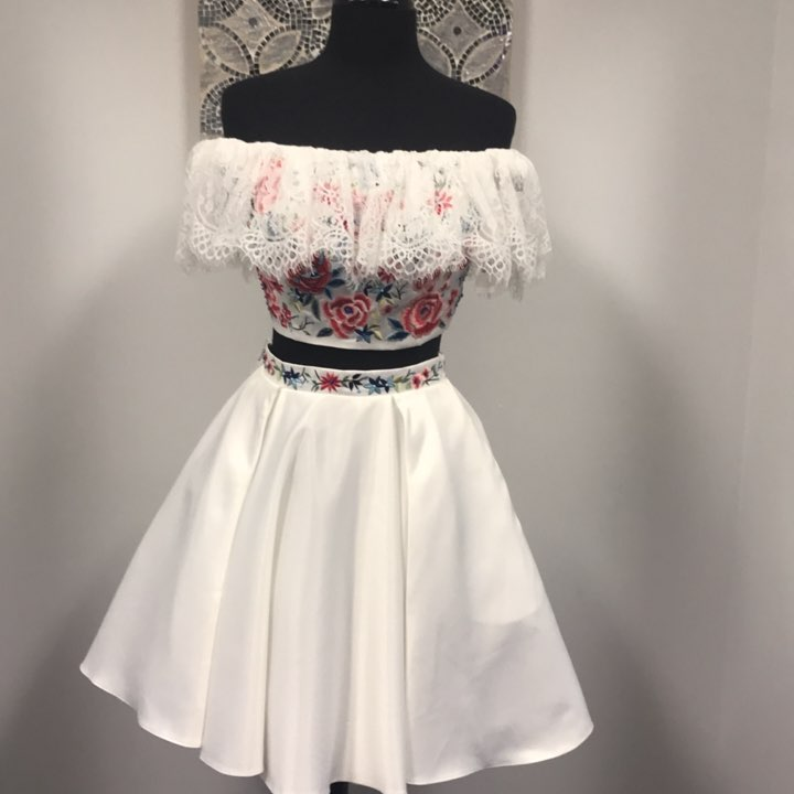 9a593ff8aa Unique Off the Shoulder Two Piece Floral Short Homeocming Dress on ...