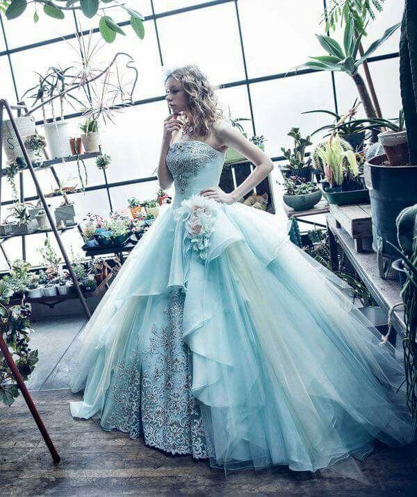 520da1db5dd Beautiful Alice In Wonderland Wedding Dress on Dress Ideas in ...