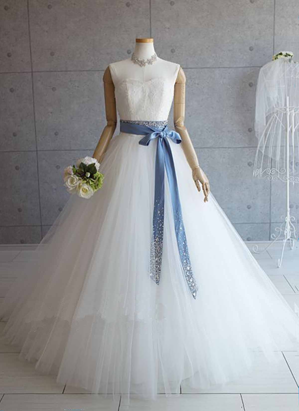 White tulle long O neck A-line halter wedding dress, evening dress ...