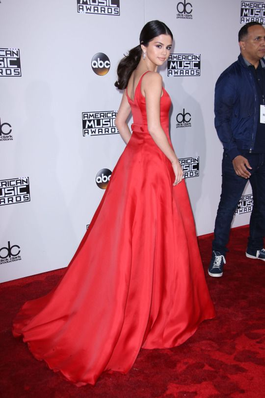 8b8714be849 Inspired by Selena Gomez Celebrity Dresses Red A Line Satin Scoop Prom  Dresses Evening Formal Gowns