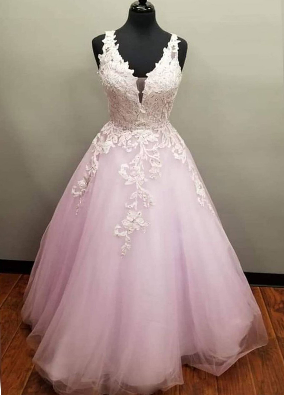 Pink Tulle V Neck Long Plus Size Senior Prom Dress With Applique from  Sweetheart Dress